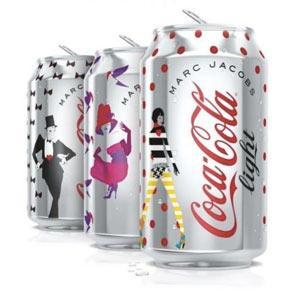 marc-jacobs-disena-nuevas-latas-coca-cola-lig-L-l1UKnG