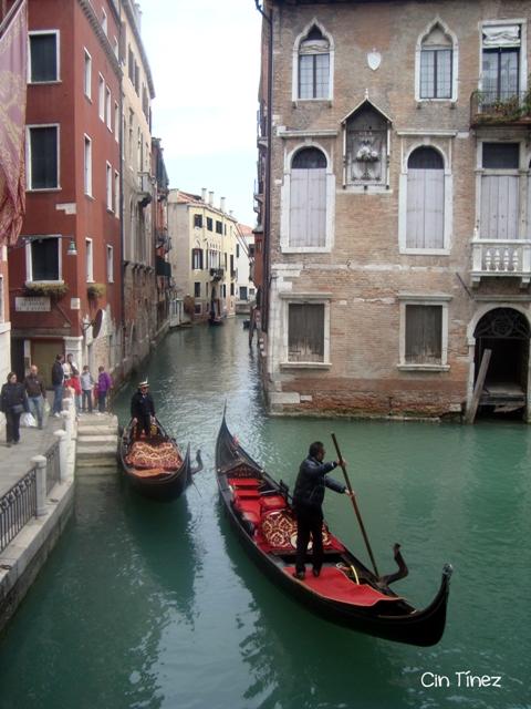 Gondolas por los canales