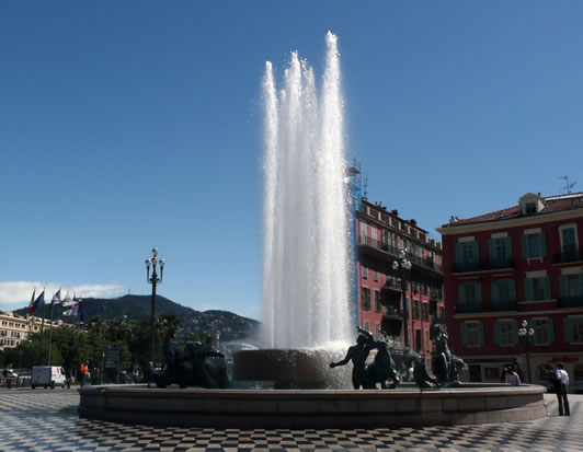 nice-fontaine-du-soleil-01-532