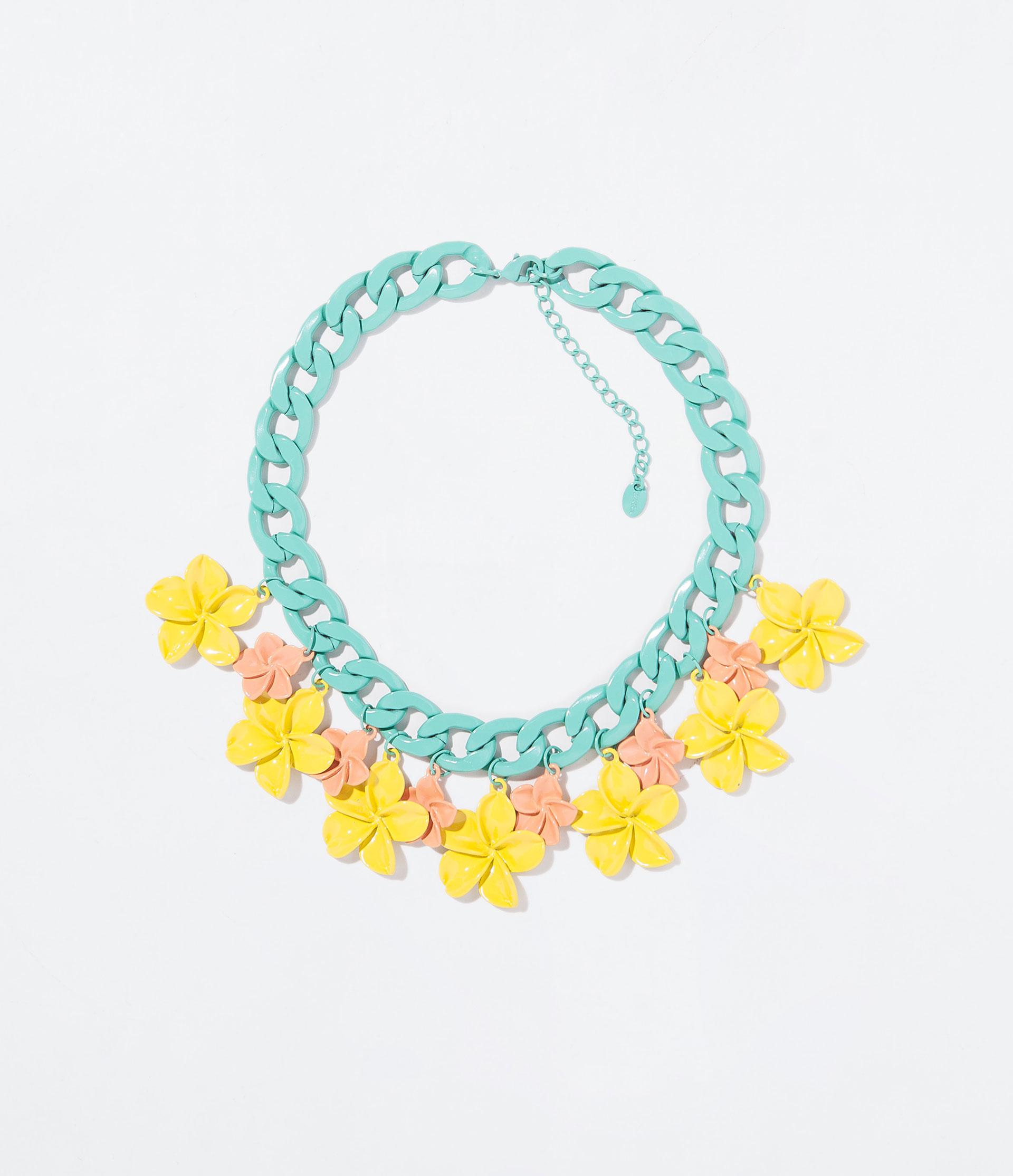collar florecitas rosas y amarillas_zara