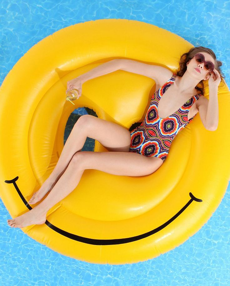 En mi bolso flotadores originales para la piscina y playa for Flotadores para piscinas