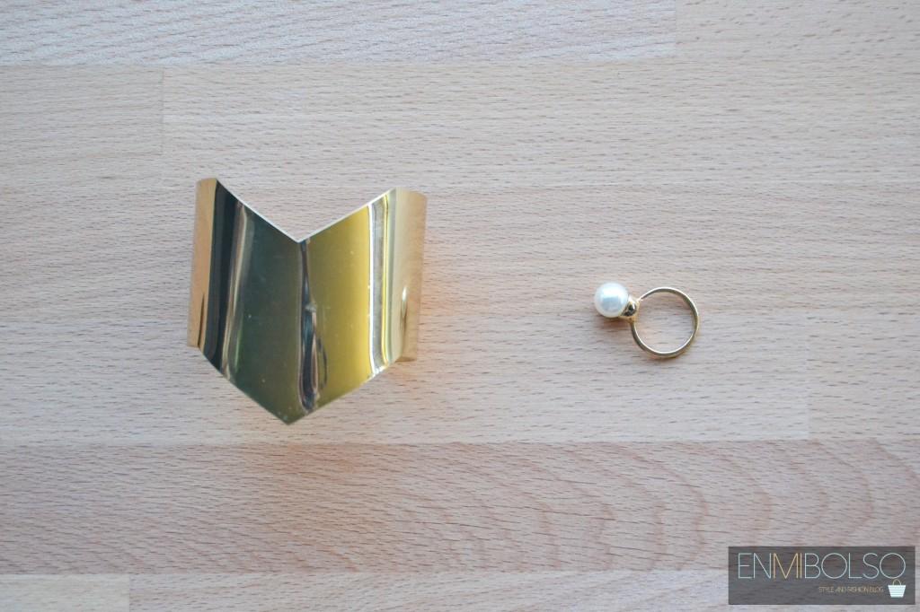 pulsera y anillo dorado primark