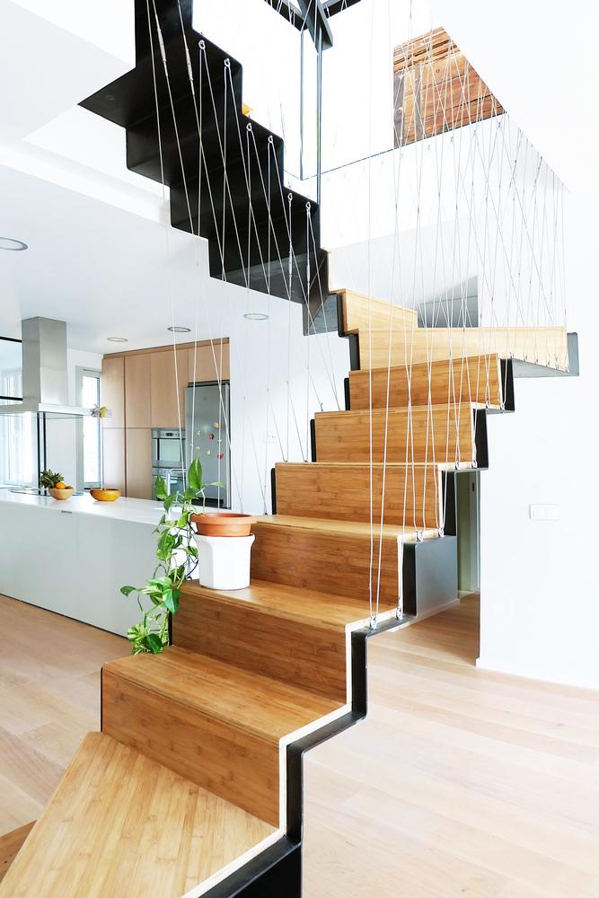 escalera madera colgante