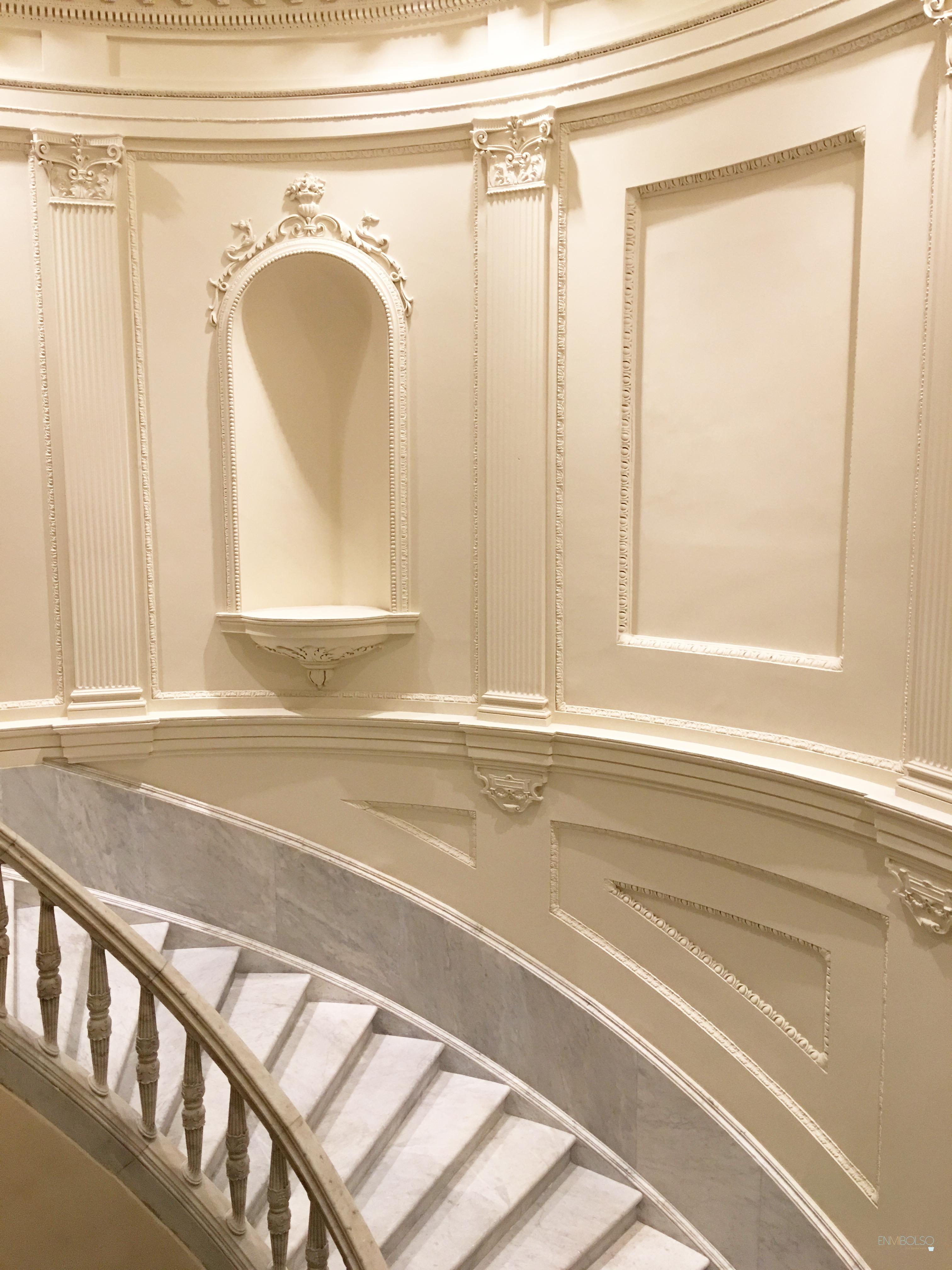 hotel-mercer-sevilla-escalinata