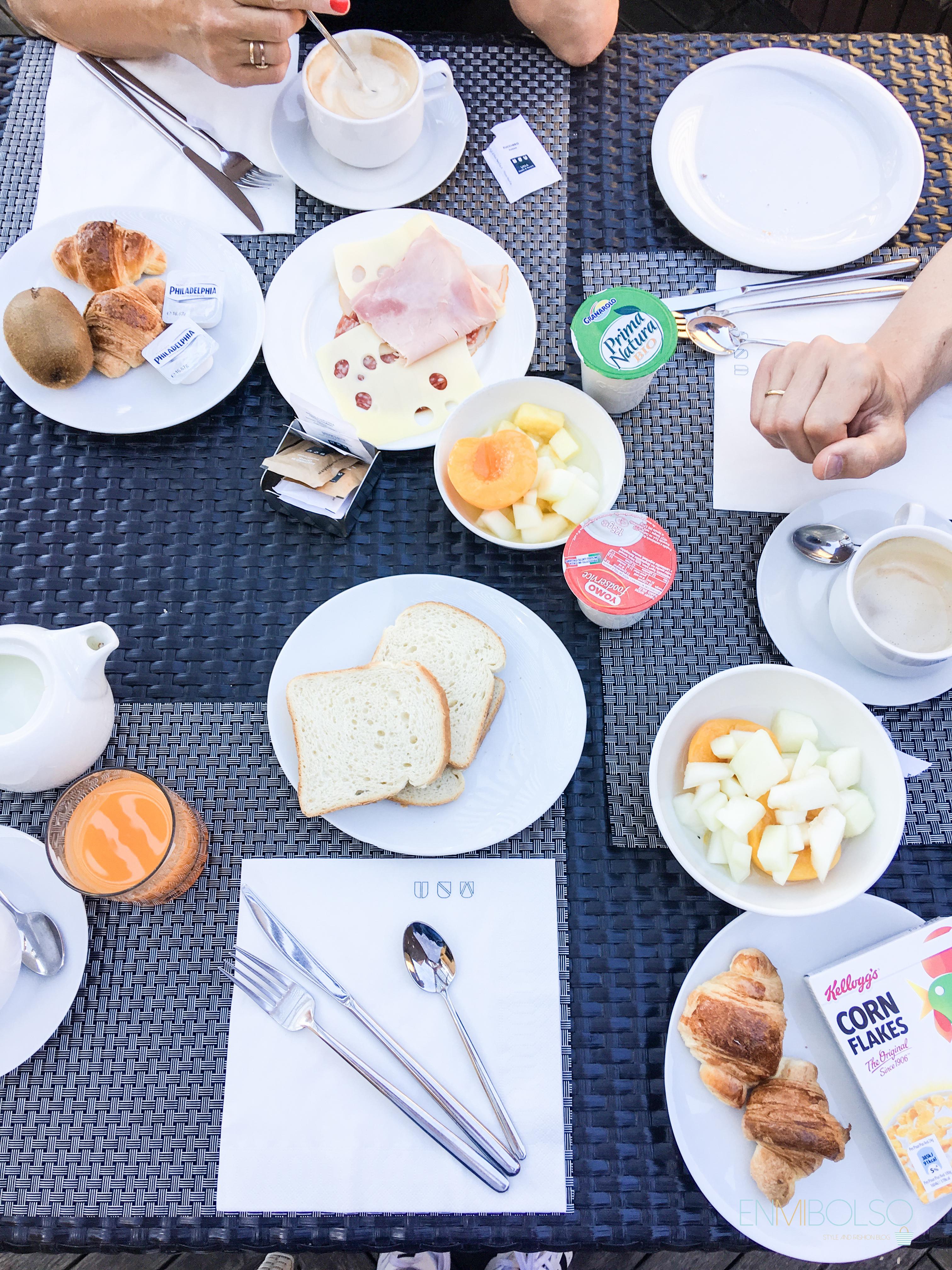 Desayuno-hotel una napoli-enmibolso