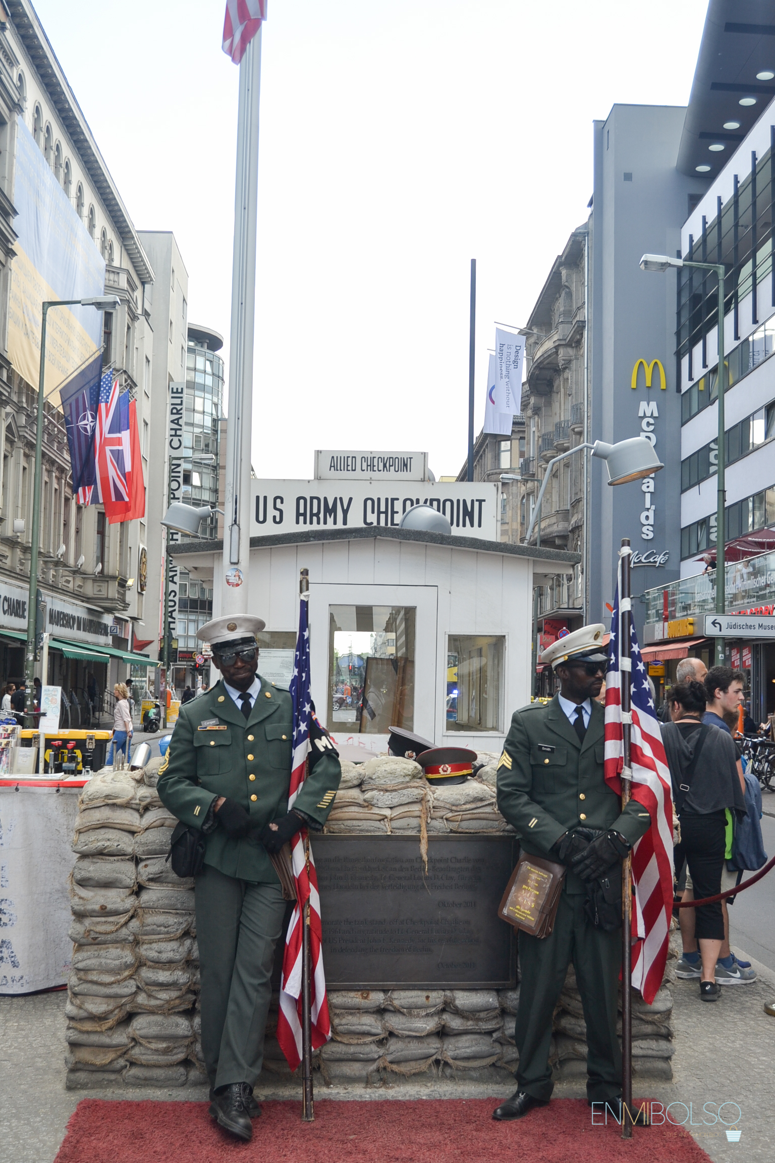 Checkpoint Charlie-enmibolso